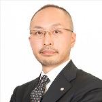 三枝りょう 資格スクエア司法書士講師の顔写真